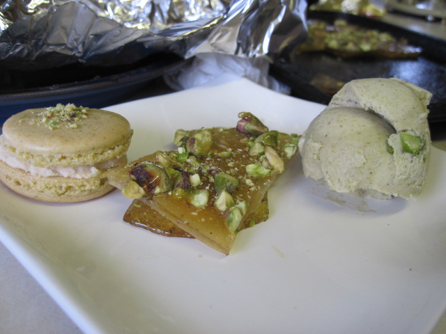 The Sugar Lump: Pistachio Trio: Macarons, Ice Cream and Brittle