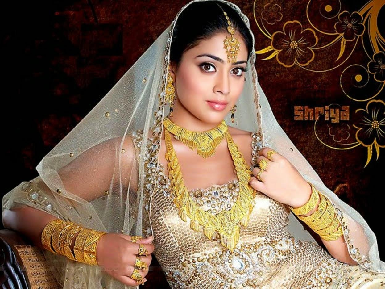 Shriya Saran HD Wallpaper