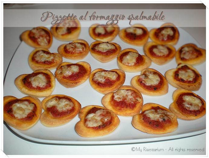 Pizzette al formaggio spalmabile