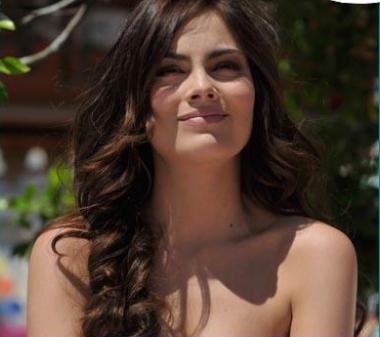 ... Magdalena, la hermana gemela de Marina. (Ximena Navarrete