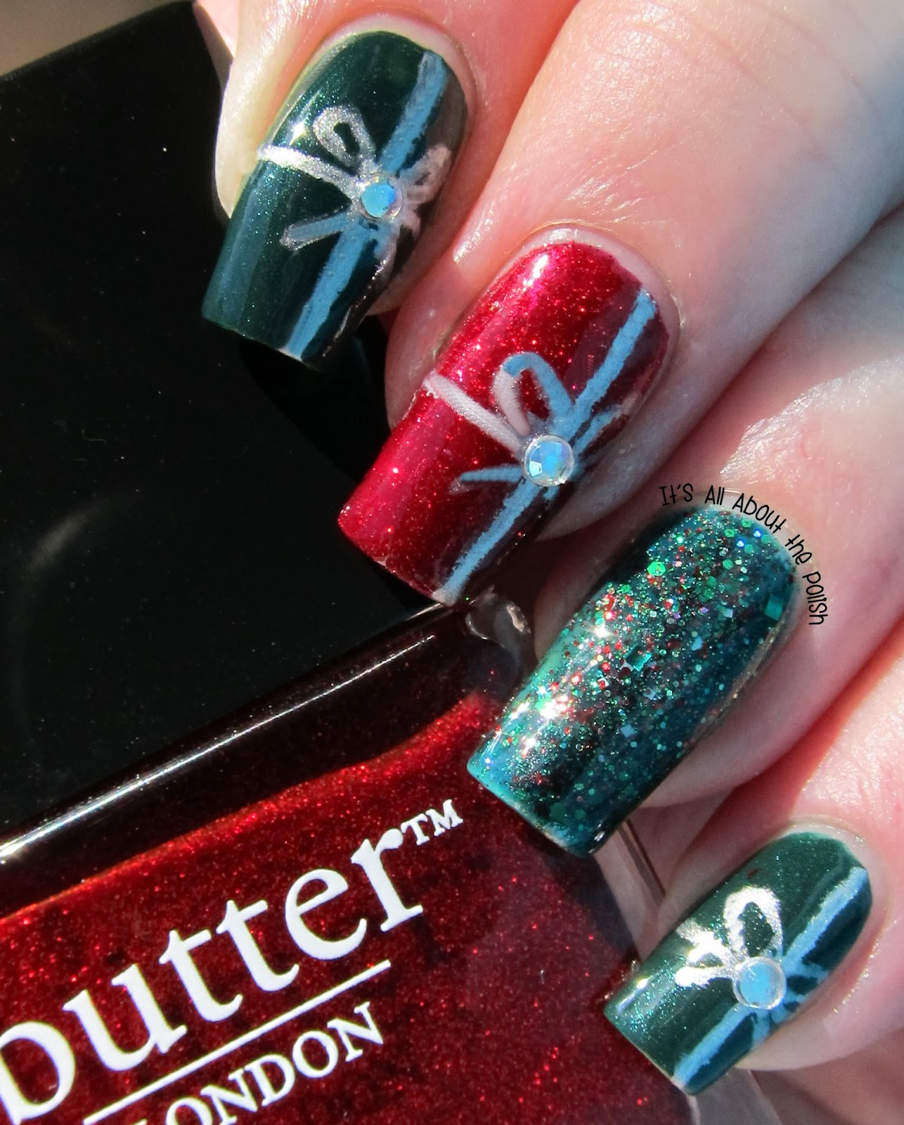 Christmas Nail Designs Tutorial: It's All About The Polish: Christmas Present Nail Art