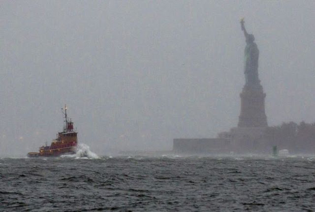 http://silentobserver68.blogspot.com/2012/10/uragano-sandy-paura-new-york-obama.html