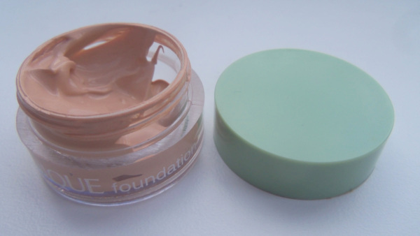 Clinique Supermoisture Makeup in 04 Ivory