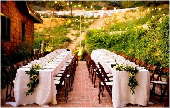 Backyard Table Set Up : Wedding Wednesday the Long Tablescape