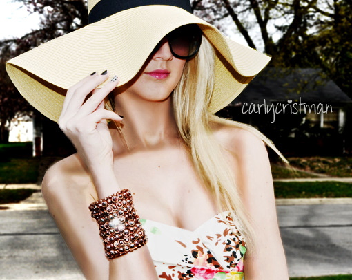 How to wear floppy knit hats