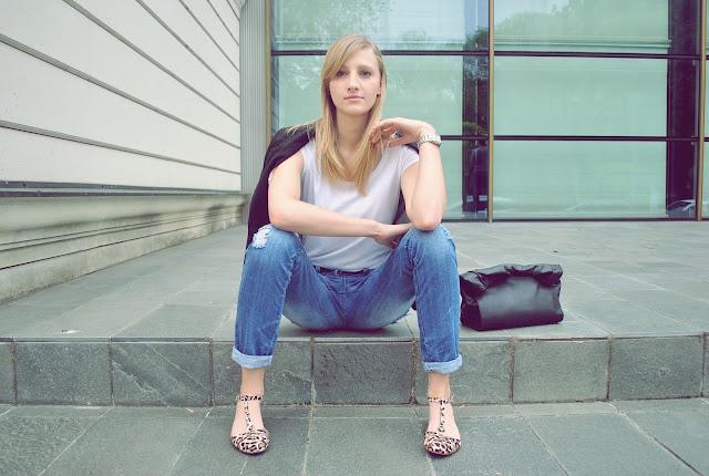 zara animal print flats, zara flats, zara leather lunch bag, leather lunchbag, boyfriend jeans, new look boyfriend jeans
