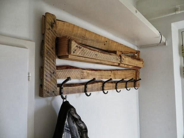 Hacer un colgador para abrigos con - Muebles hechos con palets de madera ...