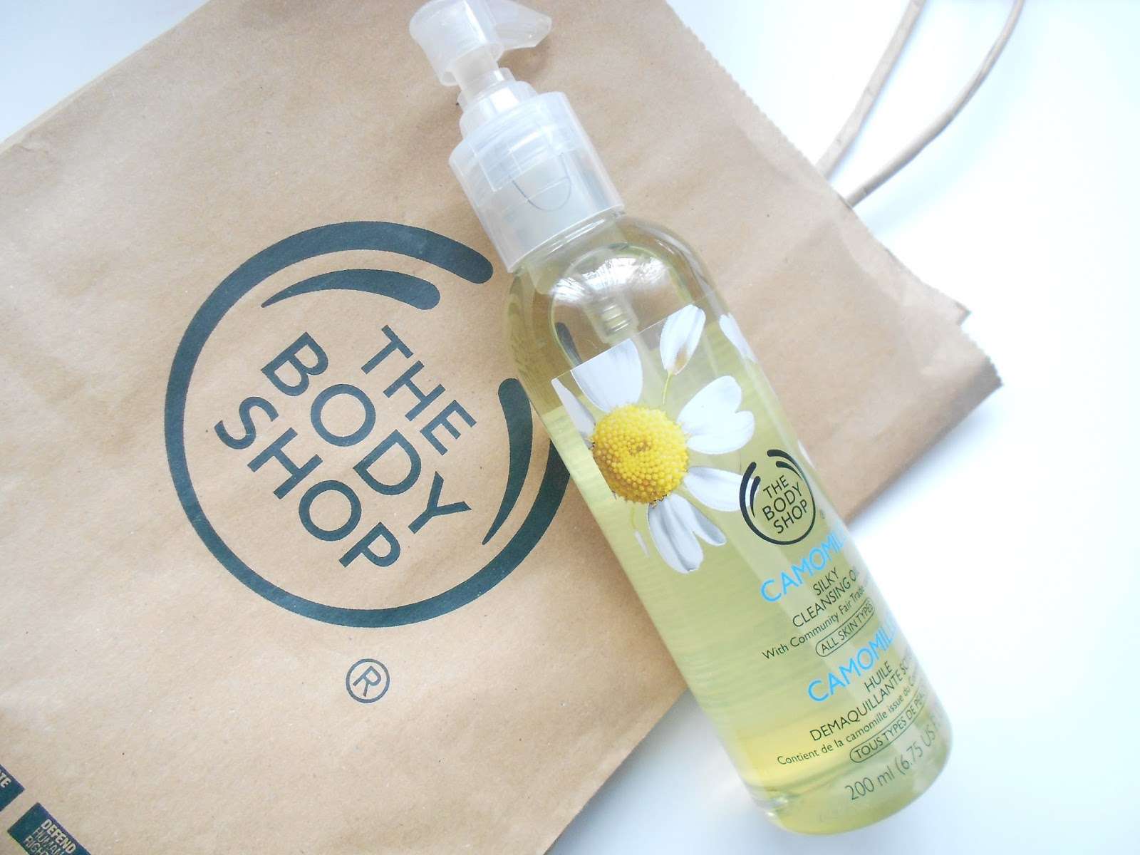 The Body Shop Camomile Silky Cleansing Oil Review