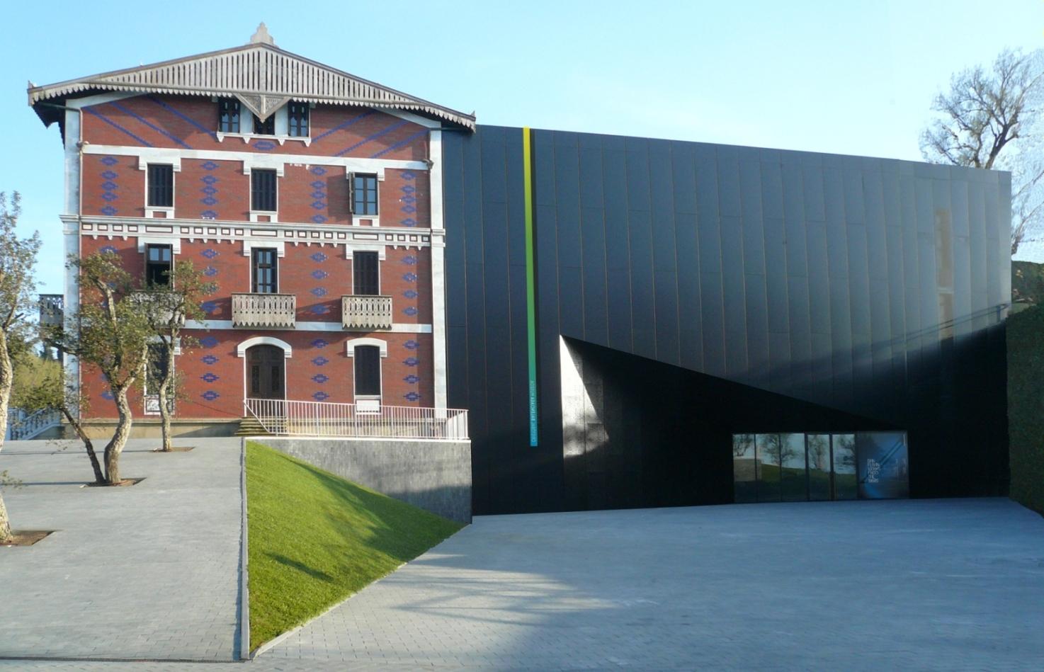 The Lifestyle News: Museo Balenciaga en Getaria, Guipúzcoa
