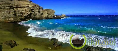 Pantai berpasir hijau Papakolea, Hawaii