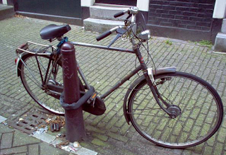 funny picture: bike lock!
