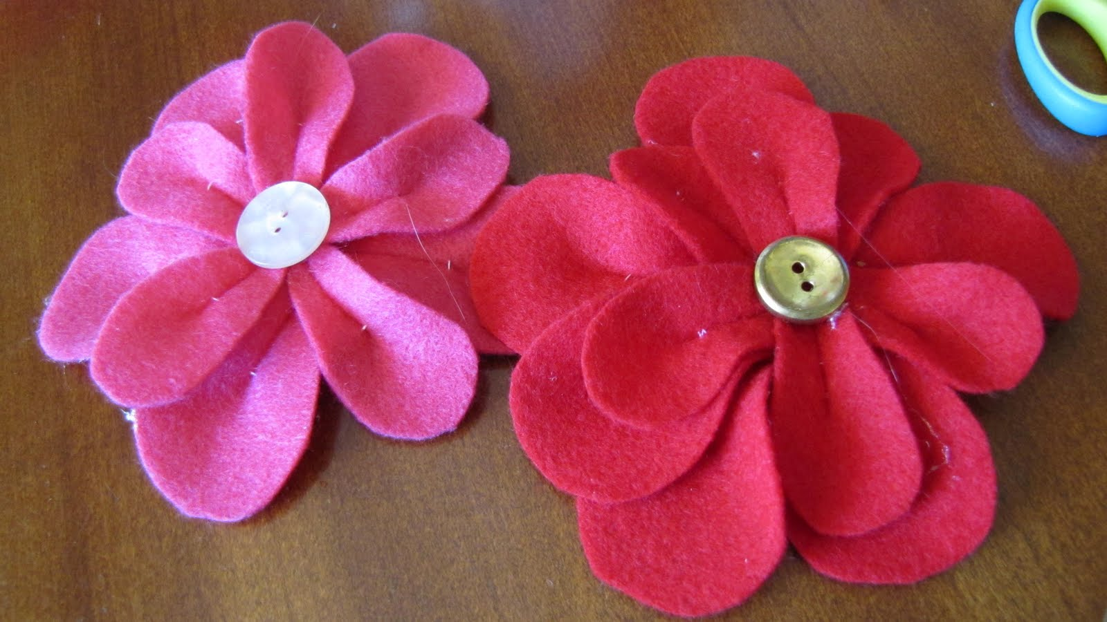 Creative 2x Mom Felt Flower Tutorial