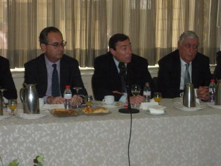 Flores convoca una mesa de contratistas y financieras para avanzar en colaboración público-privada
