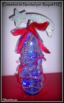 Arbol_de_navidad_hecho_con_una_botella_de_cristal-