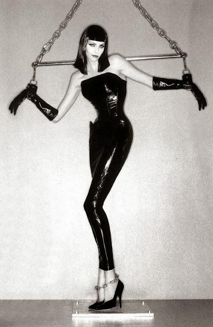 Fetish Inspirations : Nadja Auermann By Helmut Newton 1995