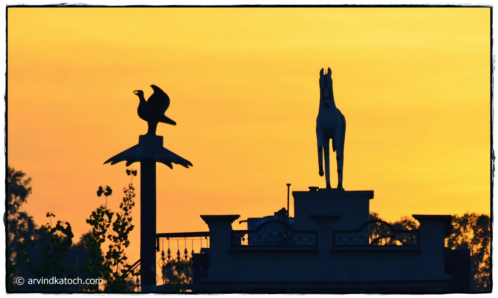 Statue, Eage, Horse, Home, Top, Punjab, Evening, Sunlight