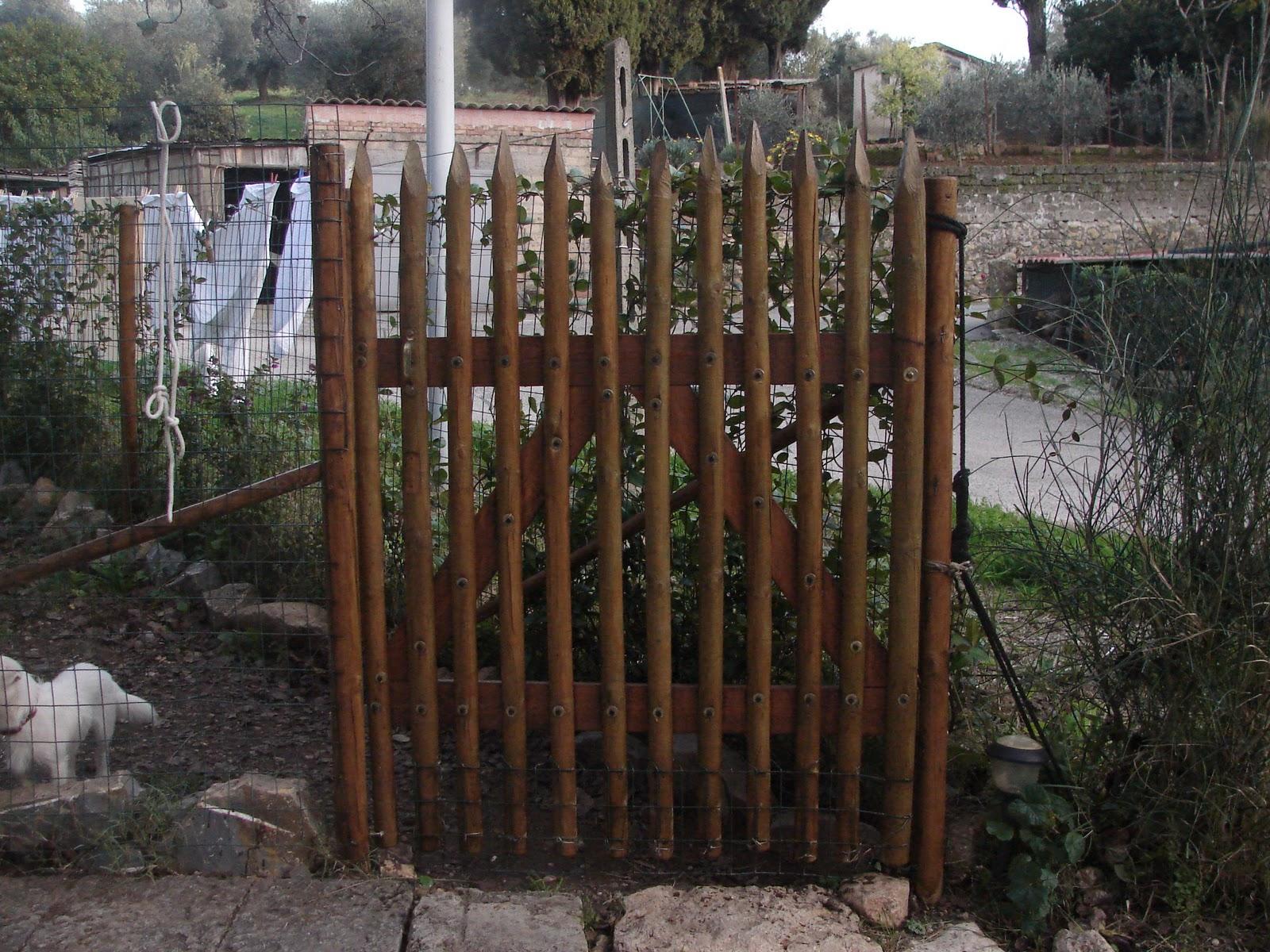 Bricoleuti cancello in legno - Recinti in legno da giardino ...