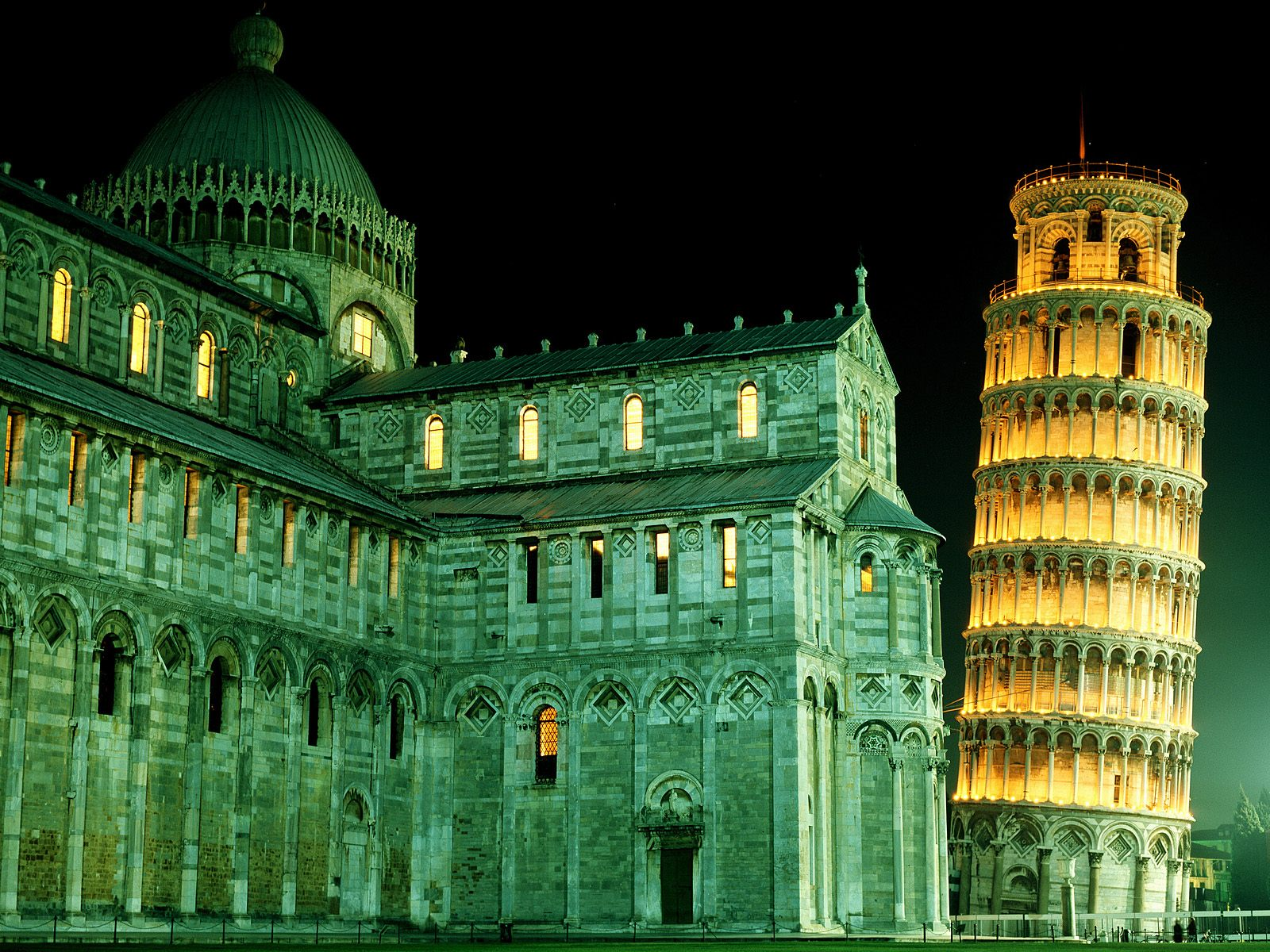 http://3.bp.blogspot.com/-1vZoGau4PSc/Tcp3k5NIEmI/AAAAAAAACXA/W6Pte_-dyCw/s1600/Duomo+and+Leaning+Tower%252C+Pisa%252C+Italy.jpg