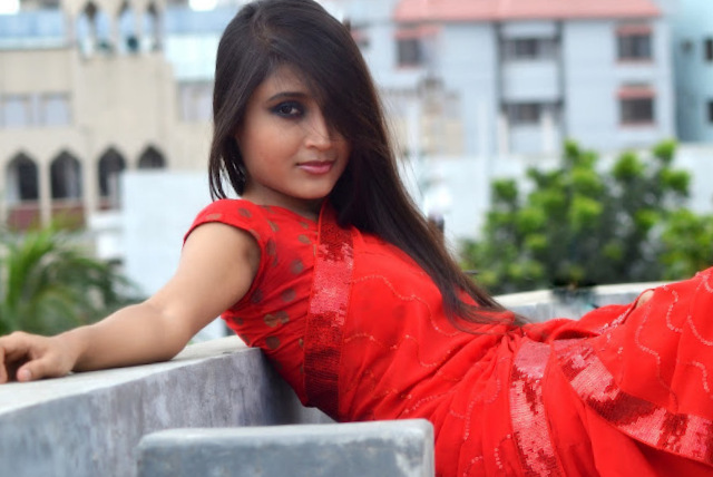 Desi Girl in Saree