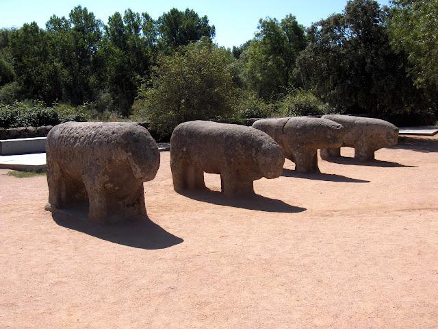 Toros de Guisando en la Sierra de Gredos