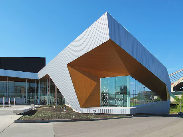 04-Commonwealth-Community-Recreation-Center-by-MJMA