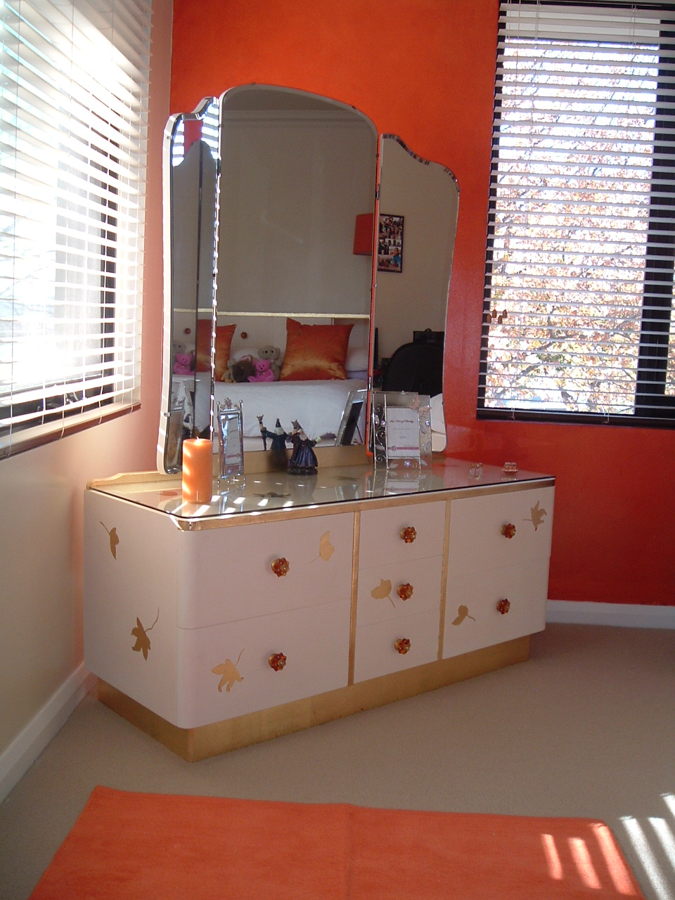Modern dressing tables designs an interior design - Dressing table latest design ...