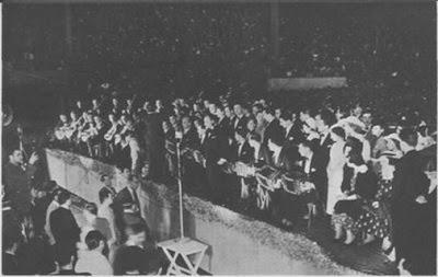 Francisco Canaro su orq. ampliada en el Luna Park en 1936