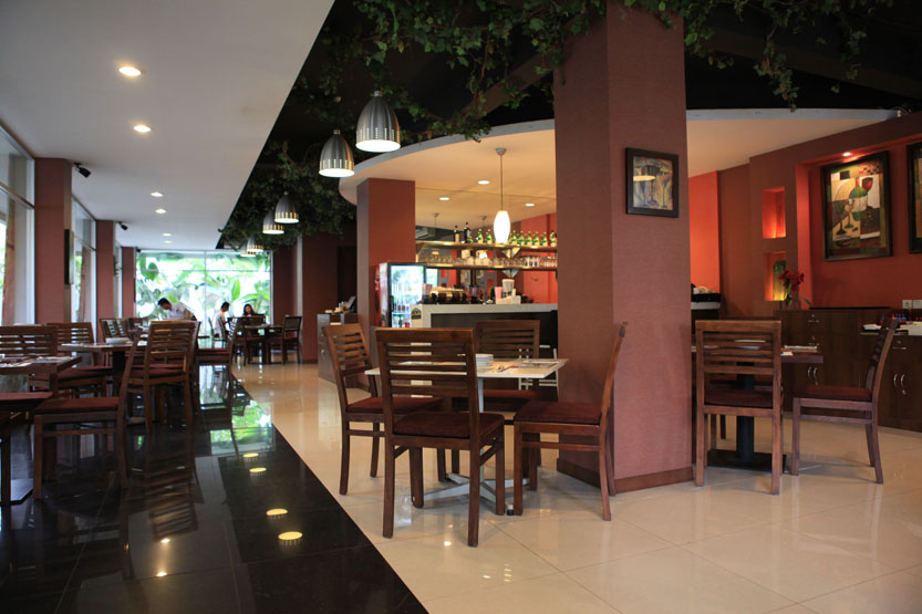 La finestra jakarta jakarta100bars nightlife reviews best nightclubs bars and spas in asia - Ristorante la finestra ...