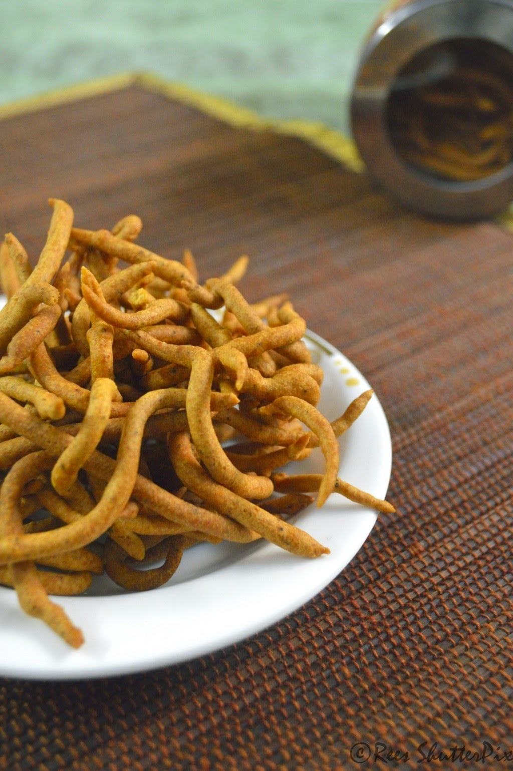 Festive Snacks, Savoury Snacks, Diwali Snacks Recipes, kara sev recipe,Indian Snacks, diwali special preparation,easy kara sev recipe, fail proof kara sev recipe, spicy garlic kara sev recipe, sev recipe, easy sev recipe , fried foods, snacks recipes, how to make kara sev at home, sattur kara sev recipe