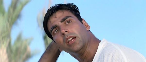 Screen Shot Of Hindi Movie Hera Pheri (2000) Download And Watch Online Free at worldfree4u.com