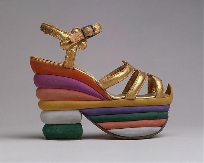 A bela coleção de sapatos do Museu Metropolitan Ney York