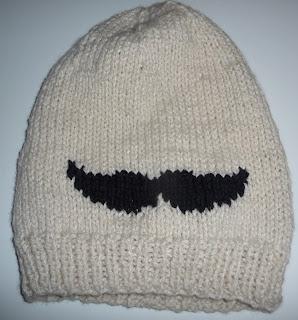 mustache na drutach