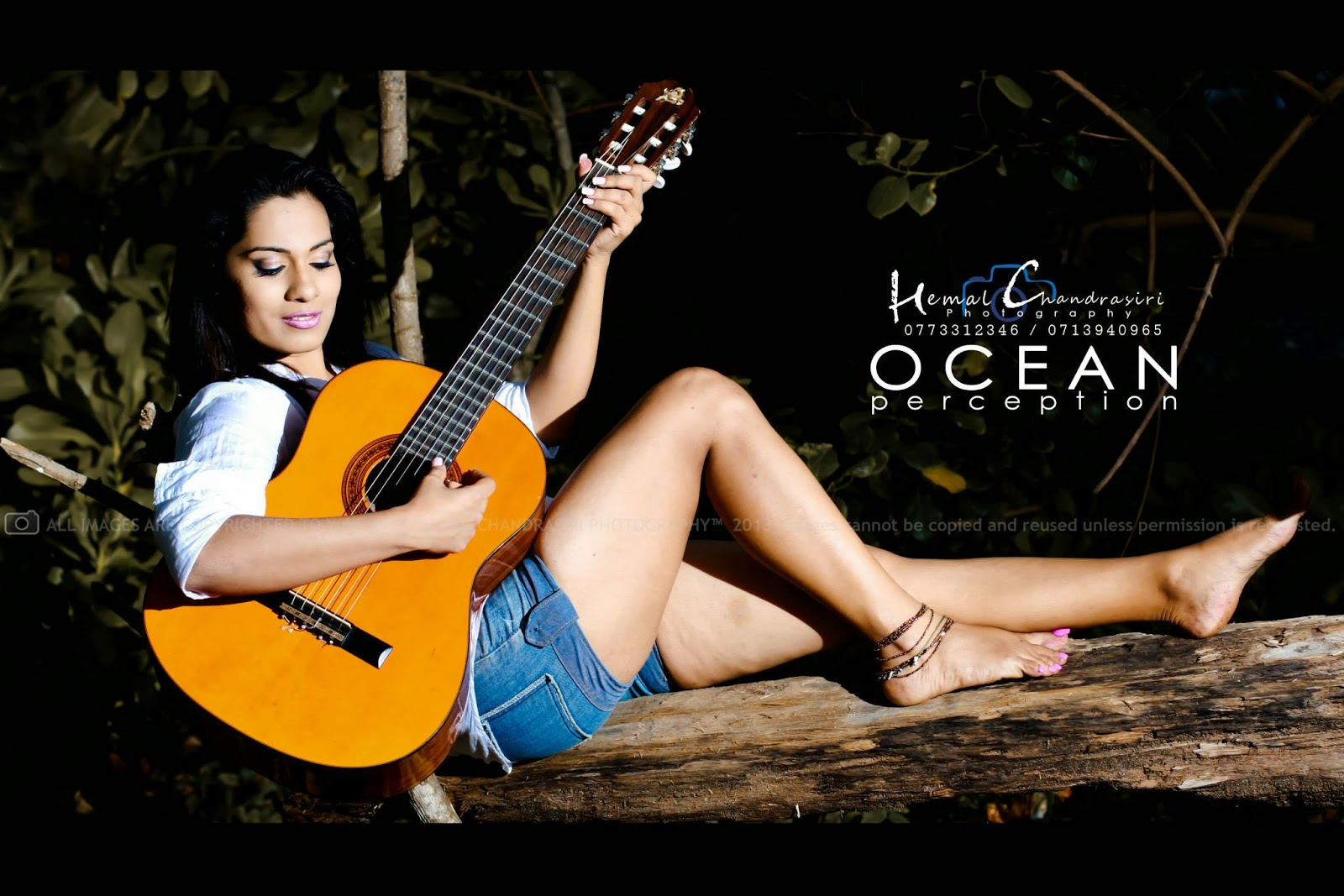 Nadeeshani Nilukshi hot legs with guitar