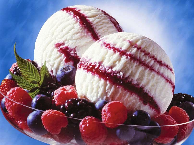 icecream-with-strawberry-image