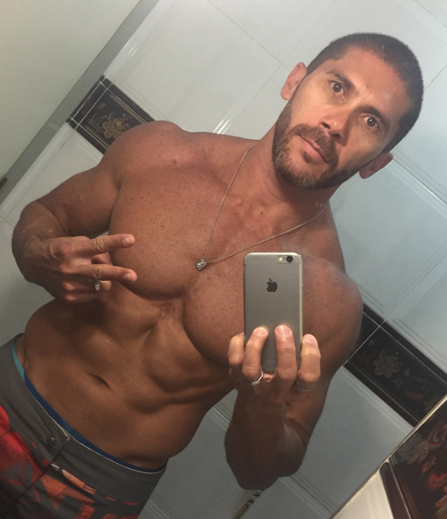 Pedro Filho voltou a praticar musculação e já recuperou boa parte do peso perdido. Foto: Arquivo pessoal