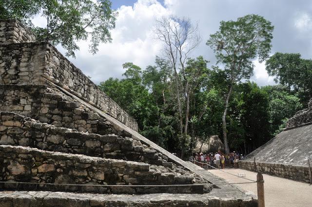 RIVIERA MAYA CON NIÑOS: Las Ruinas mayas de Cobá