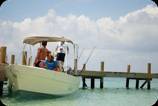 fishing in roatan honduras caribbean