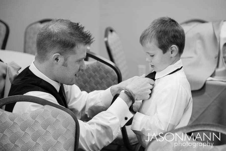 Jason Mann Photography - Door County Wedding Groomsmen Getting Ready