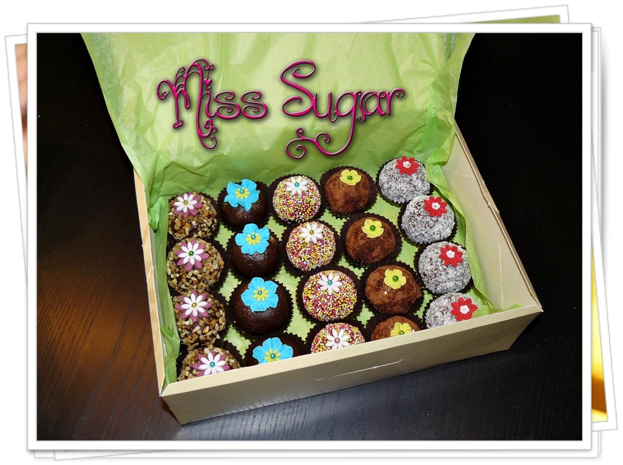Miss Sugar: CAKE BALLS