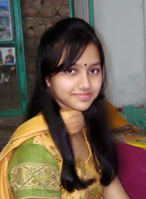 Unmarried Tamil girl looking cute at her looks.