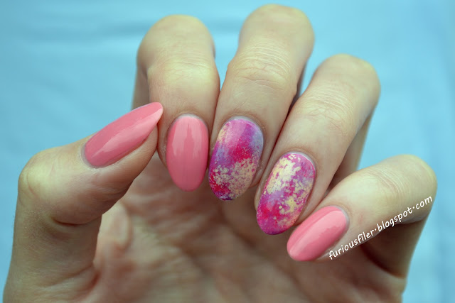 Pink, sponging, splatter, abstract nailart