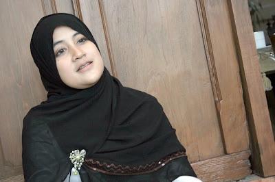 Isteri Jefri Al Buchori gagal hubungi arwah suami dalam kubur selepas diubah suai - Terbakor