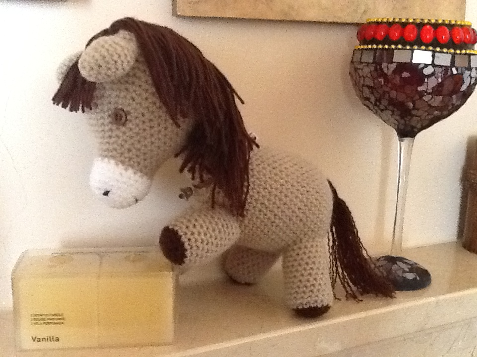 Amigurumis Caballitos A Crochet : Sweet dollies amigurumi caballito