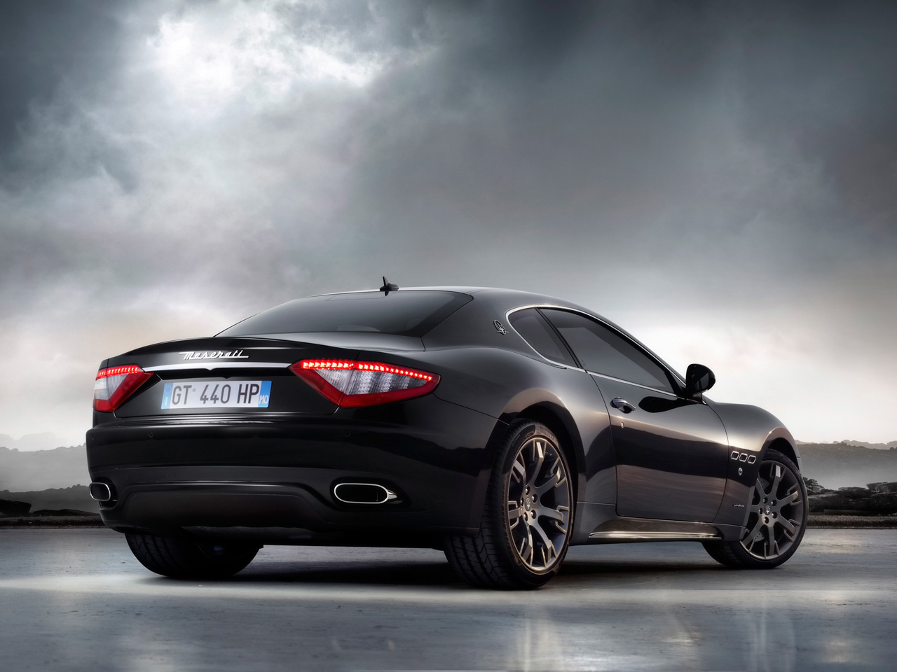 world of cars maserati granturismo. Black Bedroom Furniture Sets. Home Design Ideas