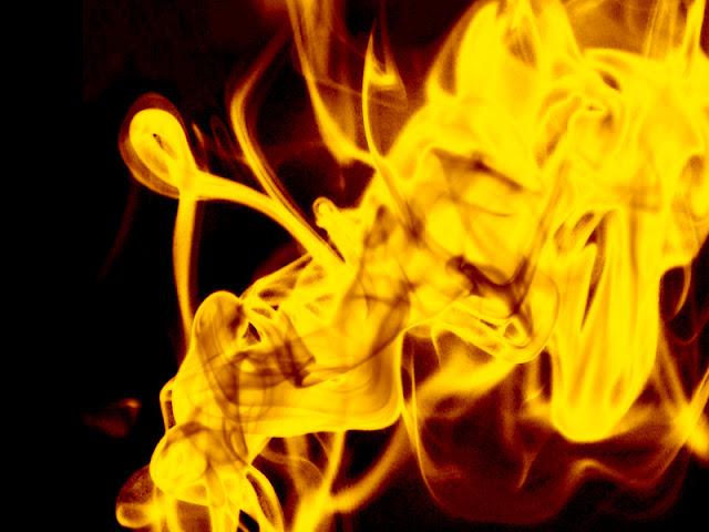 api10 Membuat Api lebih realistis