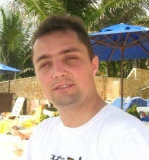 Blogueiro Emerson Rodrigues é acusado de racismo e homofobia