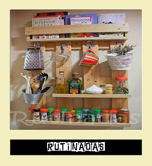 http://rutinadas.blogspot.com.es/2013/06/estante-especiero-con-palet.html