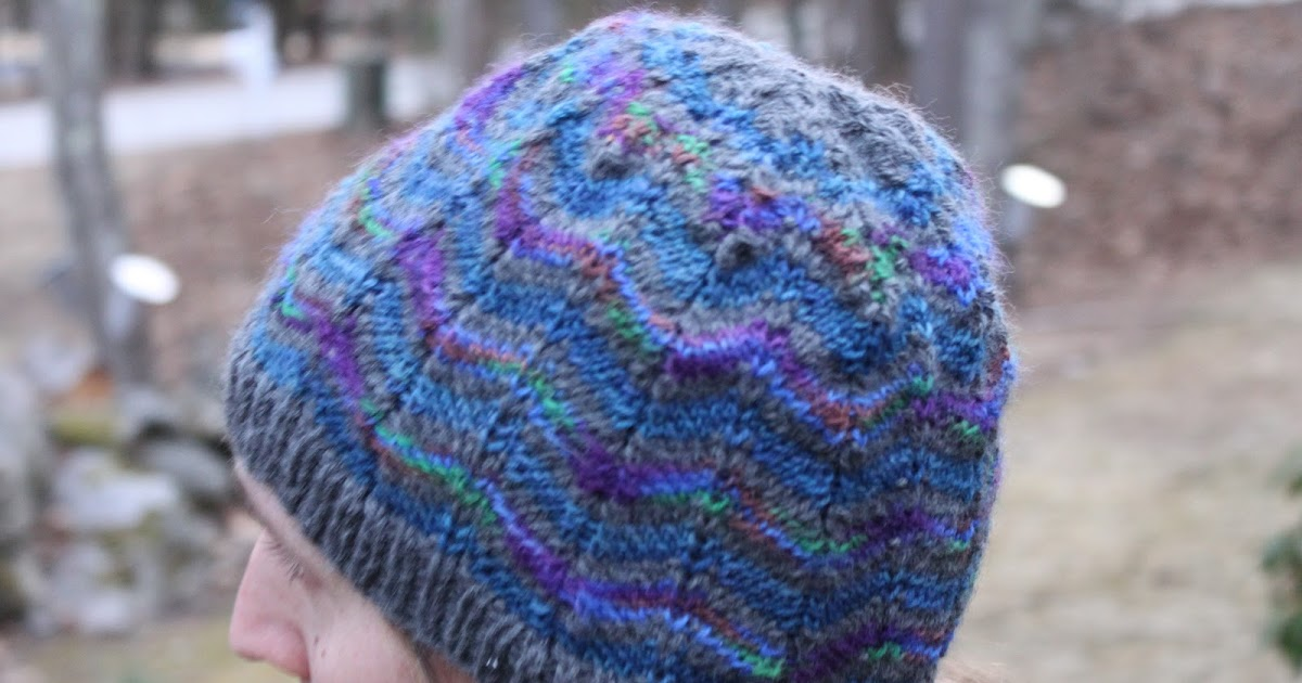 Green Mittens: Z is for Zigzag... another Hat...
