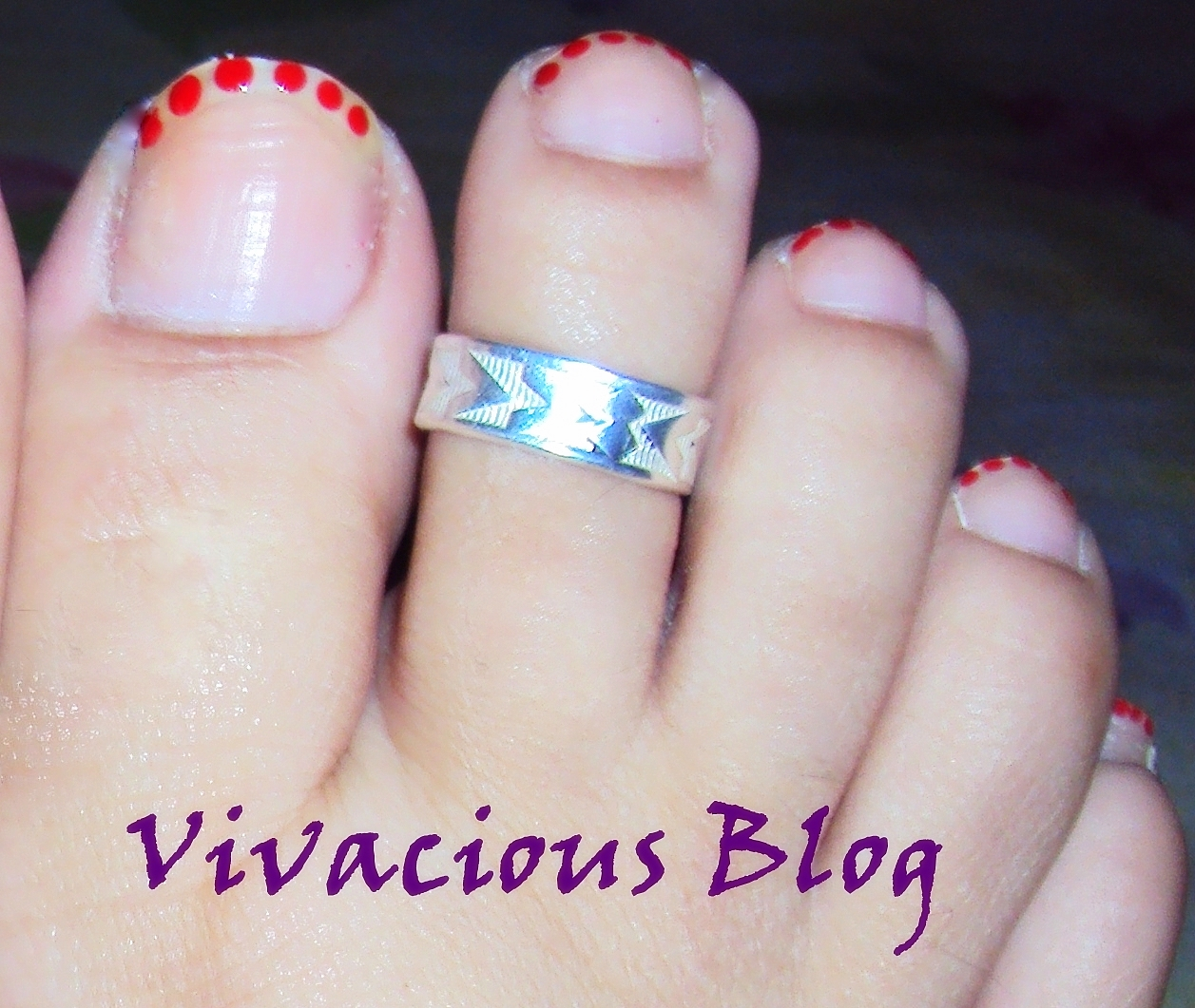 Vivacious Blog: Simple Nail Art For Diwali