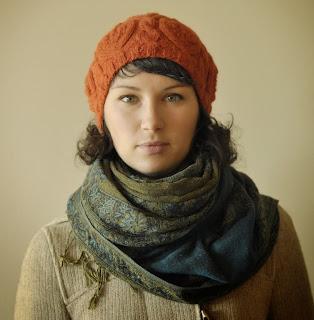pomarańczowy beret